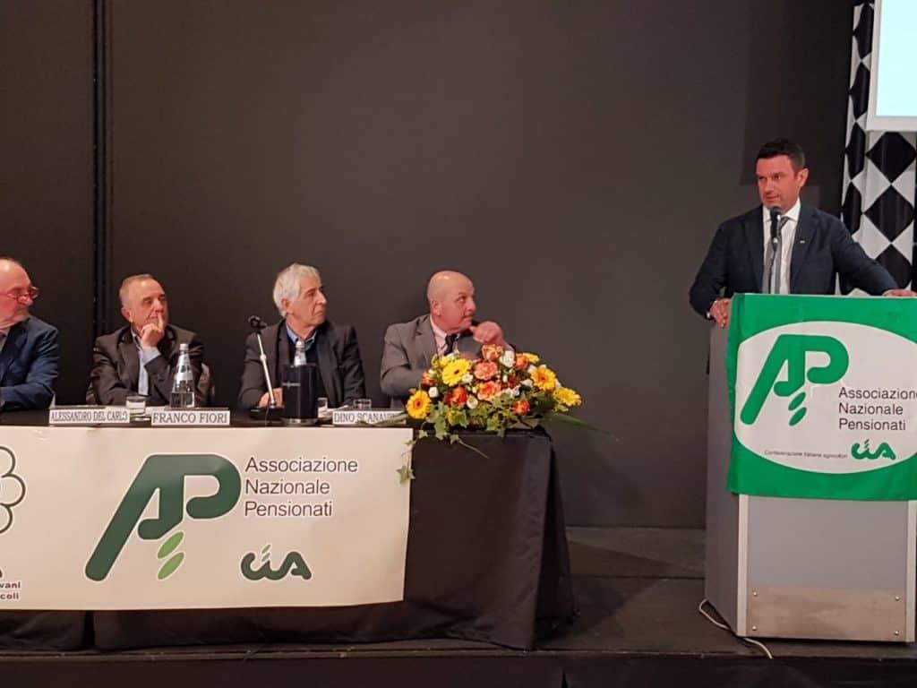 Fini parla all'assemblea nazionale Anp